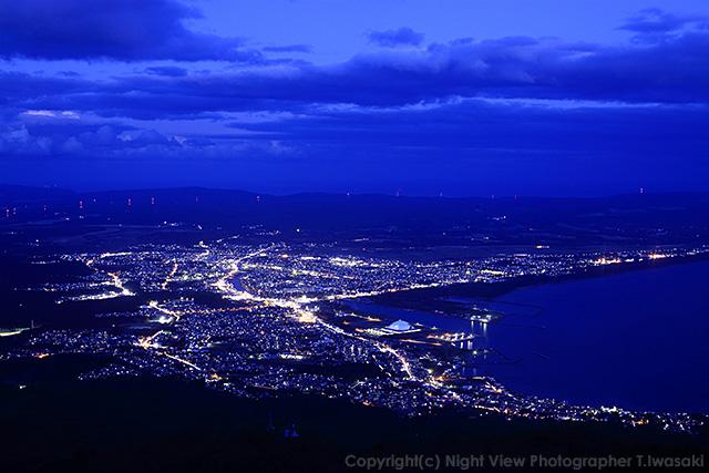 震災から5年・夜景活動再開の希望をくれた釜臥山の灯り