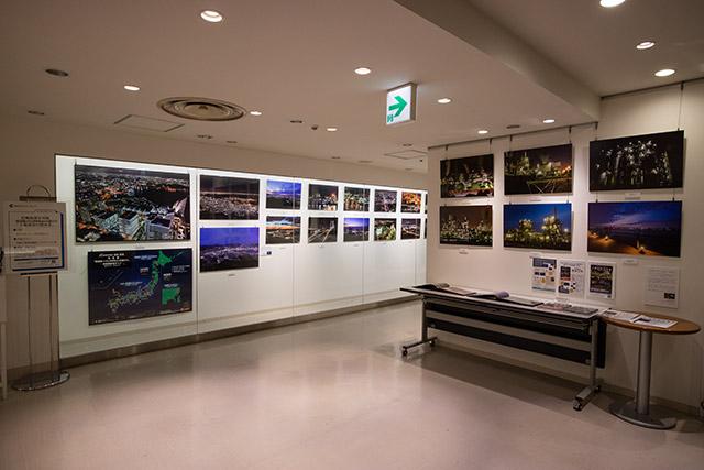 写真展「夜景旅~10,000kmの道のり+工場夜景の煌めき」開催