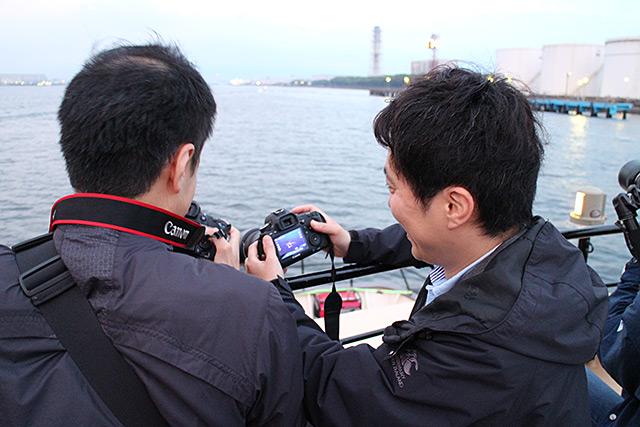 船上での参加者への講義風景