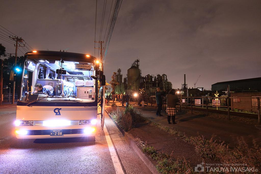 貸切バスで工場夜景スポットを巡る5つのメリット