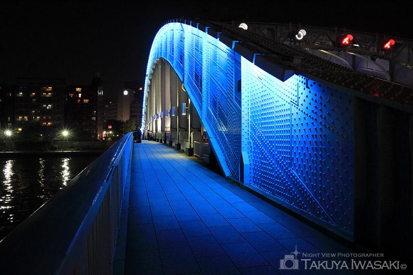 ライトアップされた永代橋