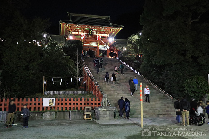 本宮へ続く階段