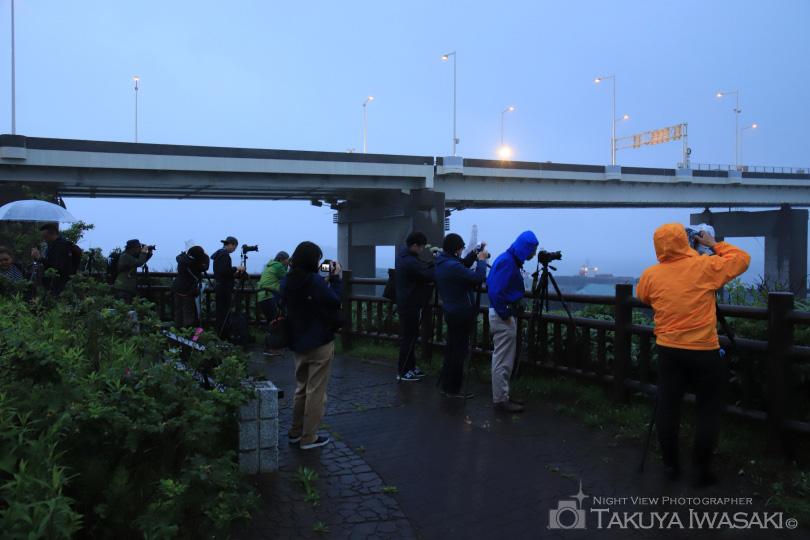 白鳥大橋展望台での撮影風景